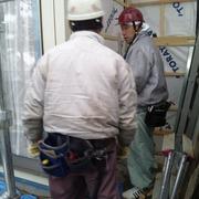 寒い雪降りの中外壁工事お疲れさまでした。